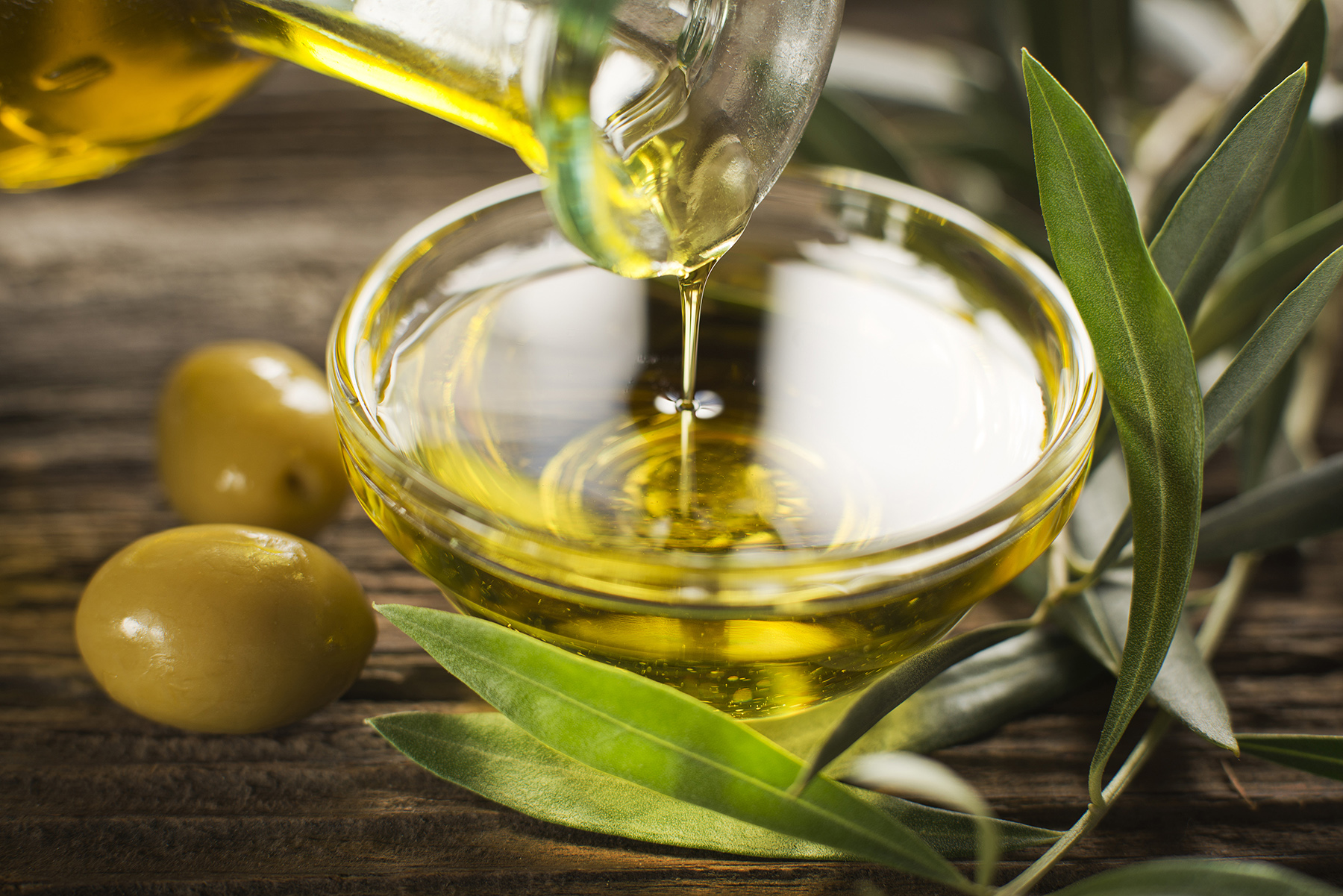 Olive Oil: Benefits and Importance in the Cretan Diet