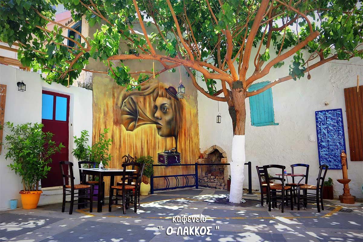 5 Traditional Kafeneio in Crete